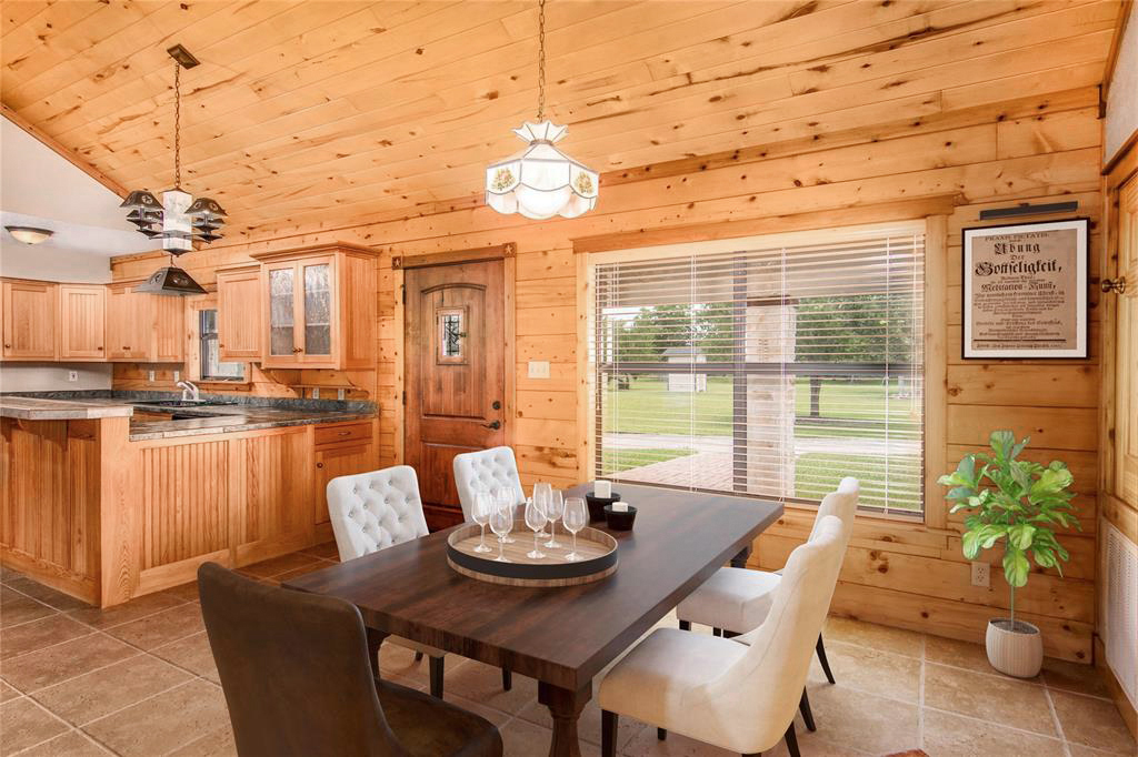 virtual staging photos in Dayton, TX